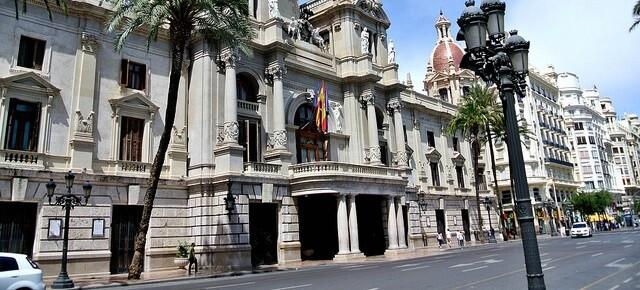 La corporación aprobará en la reunión del Pleno municipal del mes de julio una moción para declarar a la ciudad 'libre de paraísos fiscales' class=