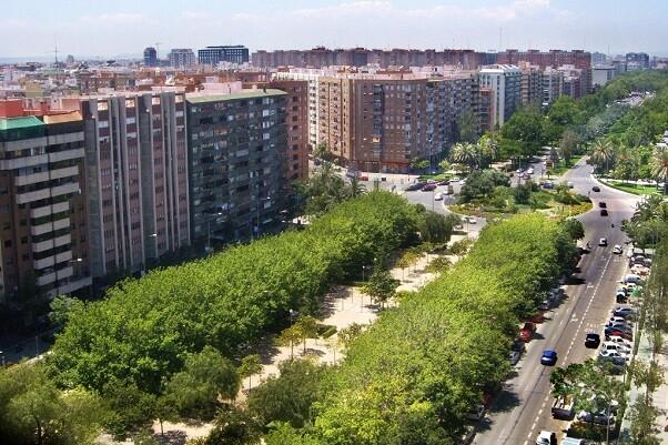 La rotonda de Blasco Ibáñez con Clariano y Cardenal Benlloch se pavimentará con materila fonoabsorbente.