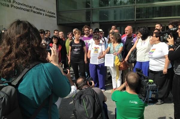 Lambda presenta la denuncia contra el arzobispo de Valencia, Antonio Cañizares, apoyada por 55 entidades.