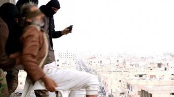 Las 10 ejecuciones de homosexuales más brutales del Estado Islámico (5)