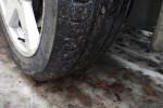 Más de 800.000 coches circulan en España con neumáticos defectuosos.