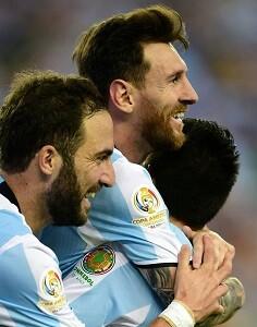 Messi consiguió igualar el récord de Gabriel Batistuta con 54 goles.