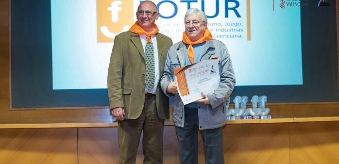 Miguel Gil y Vicente Ramírez en el acto donde el empresario recibió el premio FOTUR 2016.