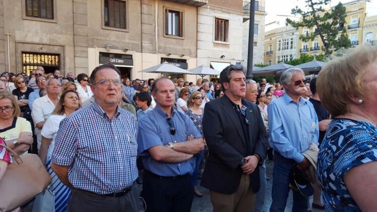 Miles de personas se concentran ante la Virgen por todas las ofensas a la 'Geperudeta' (3)
