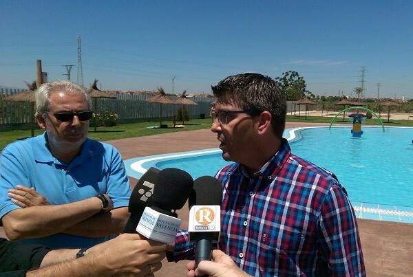Picanya mejora su polideportivo y abre una piscina lúdica con el IFS de la Diputación.