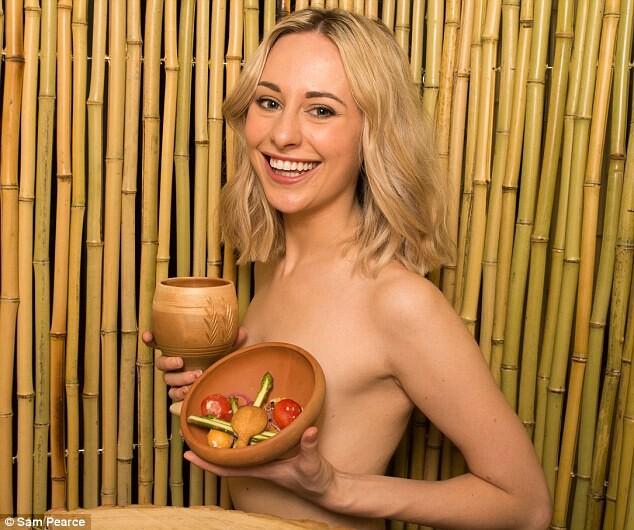The-Bunyadi-Londons-Naked-Restaurant Cómo es el novedoso restaurante nudista de Londres (4)