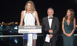 Vicente Gracia entregó el premio a Laura Sánchez