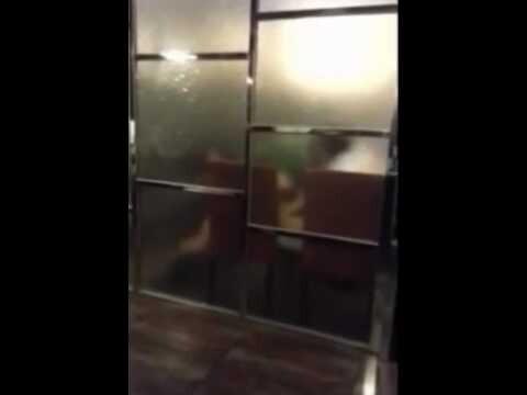 China una pareja teniendo sexo en el restaurante