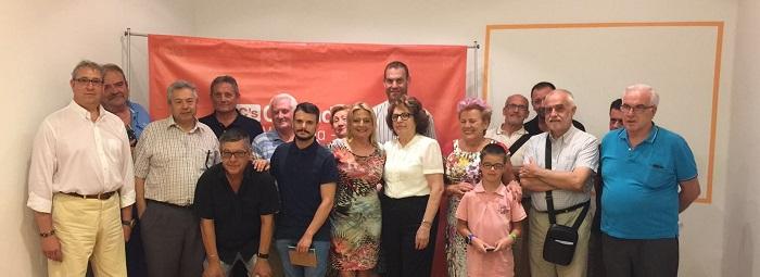 Amparo Picó junto a representantes de diversas fiestas de la ciudad.
