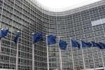 Bruselas podría dar dos años más a España para cumplir el déficit.