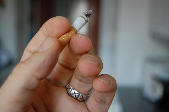 Un estudio revelael vínculo existente entre un receptor neuronal concreto, CB1R, y los déficits cognitivos asociados al hecho de dejar de fumar./ srgpicker