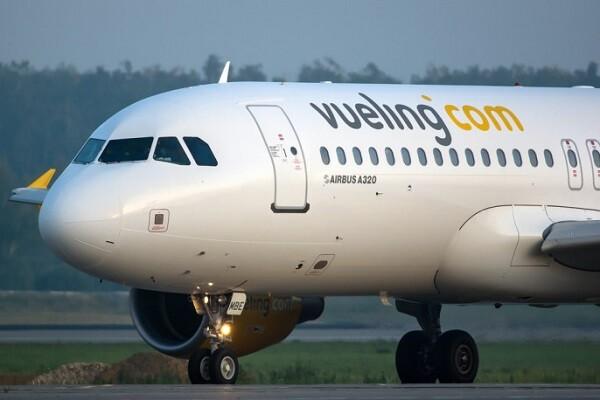 El Ministerio de Fomento abre un expediente a Vueling por sus retrasos y cancelaciones.