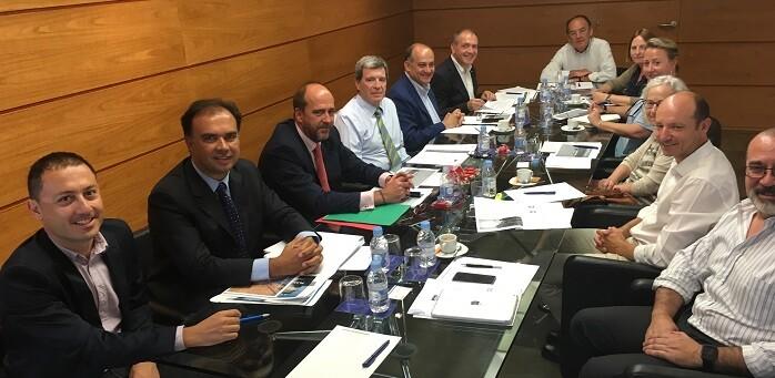 El comité incluiría a la Autoridad Portuaria, las administraciones y los empresarios.