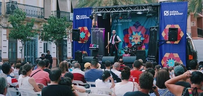 El escenario itinerante de la Gran Fira ha pasado este fin de semana por los barrios de El Canyamelar, Benicalap y Benimàmet.