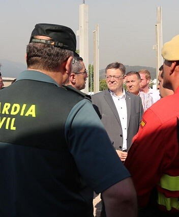 El jefe del Consell visitó el puesto de mando avanzado situado en Artana.