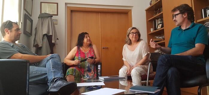 En la reunión, el concejal de Movilidad Sostenible también informó sobre los avances en la remodelación del entorno del Mercado Central.