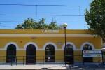 FGV inicia los trabajos de rehabilitación y pintura de 38 estaciones de superficie de la red de Metrovalencia.