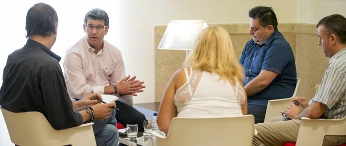Jorge Rodríguez durante la entrevista con cuatro medios valencianos. (Foto-Abulaila).