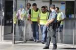 La Guardia Civil detiene a 11 personas por contratos amañados en números ayuntamientos de España.