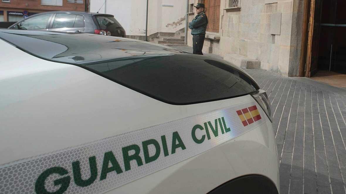 La Guardia Civil detiene a 12 personas en diez provincias en una operación contra la corrupción municipal