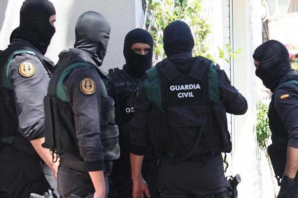 La Guardia Civil detiene a  tres pakistaníes por enaltecimiento de  terrorismo yihadista en internet.