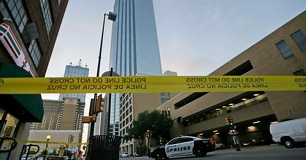 La policía mató a Johnson usando un robot con una bomba luego que las negociaciones no funcionaron.