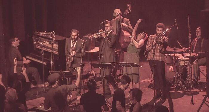 Le Dancing Pepa Swing Band.