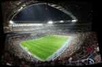 La cantidad de tiempo que añaden los árbitros favorece a los clubes grandes, según el estudio. / Rafa Otero