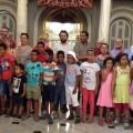 Los concejales Jaramillo y Castillo reciben a los niños saharauis del programa Vacaciones en Paz.