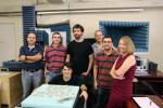 El profesor Diego Frustaglia y otros miembros del equipo que han investigado los límites entre la física clásica y cuántica. / US
