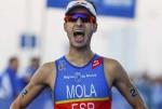 Mario Mola gana la última prueba del Mundial de triatlón.