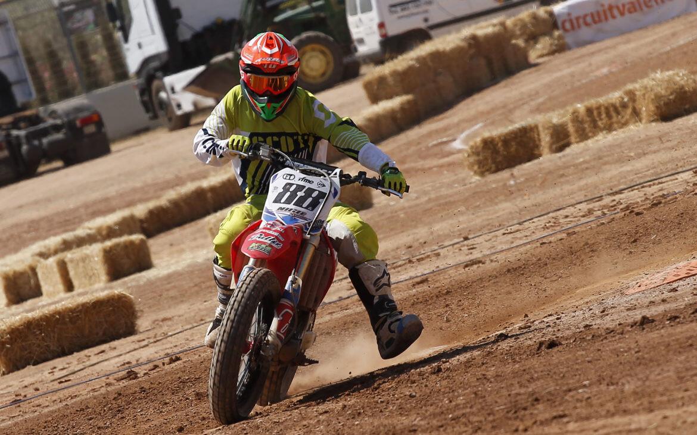 Nico-Terol-4-RFME-Copa-de-España-de-Flat-Track-Foto-Paco-Díaz-CircuitValencia-1170x731