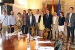 Puig y Salvador se reúnen con los alcaldes de la C-3 para abordar la 'modernización y electrificación' de la línea.