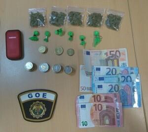 Se le intervino un total de 222,40 euros en monedas y billetes.