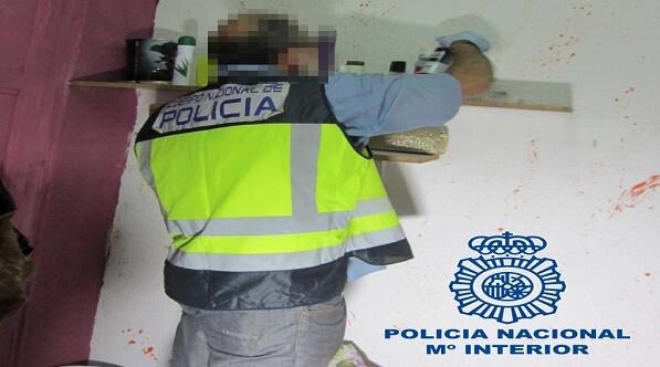 Una llamada al teléfono 900 10 50 90 hizo posible la operación en la que la Policía ha liberado a tres víctimas.
