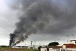 Varias naves del polígono industrial de Alboraya afectadas en un incendio.
