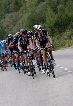 22 formaciones lucharán por las etapas de la vuelta 2016.
