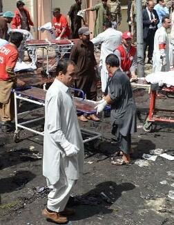 Además de las víctimas mortales hay unos 200 heridos.