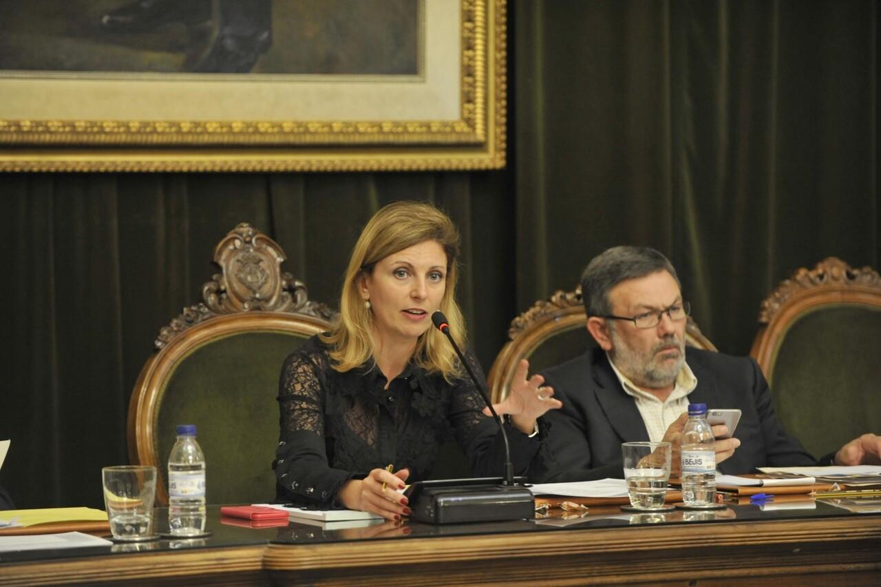 Amparo Marco y Toni Lorenzo pleno