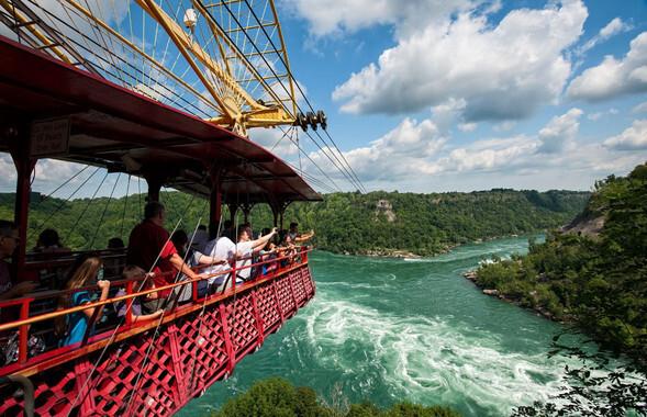 Millones de turistas han disfrutado del viaje del 'Whirlpool Spanish Aerocar' sobre el río Niagara. /The Niagara Parks Commission