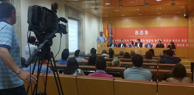 David de Miguel en la Diputación permanente de Les Corts valencianas.