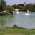 El Ayuntamiento instala dos aireadores para oxigenar el agua del Parque de Cabecera.