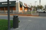 El Ayuntamiento instala nuevas papeleras en el entorno de la avenida de Juan XXII y la Ronda Norte.
