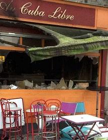 El bar tras sofocarse el incendio.