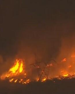 El incendio comenzó el martes por la mañana en Cajon Pass.