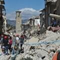 Elevan a 120 los muertos por sismo que sacudió la parte central de Italia.