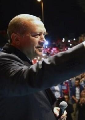 Estambul acogió una gran manifestación convocada por el presidente Erdogan.