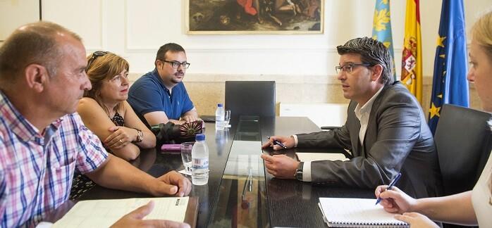 Jorge Rodríguez junto al presidente de la Asociación Valenciana de Entidades Locales Autónomas. (Foto-Abulaila).