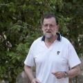 GRA063 RIBADUMIA (PONTEVEDRA), 12/08/2016.- El presidente del Gobierno en funciones, Mariano Rajoy, a primera hora de la mañana recorriendo la Ruta da Pedra e da Auga en Ribadumia (Pontevedra), durante el descanso que se ha concedido el presidente del Ejecutivo en este puente. EFE/Salvador Sas