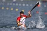 LON03. LONDRES (REINO UNIDO), 11/08/2012.- El español Saúl Craviotto compite en la final de la categoría de K1 200 metros de los Juegos Olímpicos de Londres, dentro de las competiciones de piragüismo, hoy 11 de agosto de 2012 en Eton Dorney. EFE/Kai Försterling